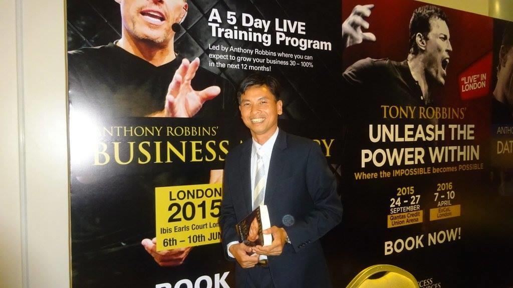 Chuyên gia Nguyễn Ngọc Tuấn học tập bí quyết bán hàng từ nhà huấn luyện thế giới