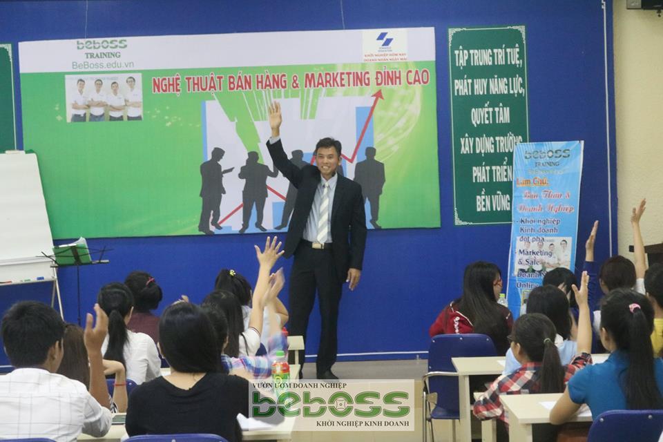 hoc-ban-hang-tang-doanh-thu-tang-loi-nhuan (1)